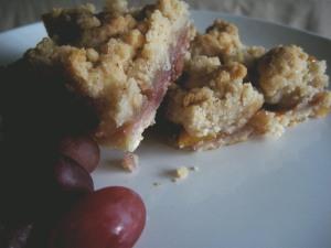 apple plum crumble bars
