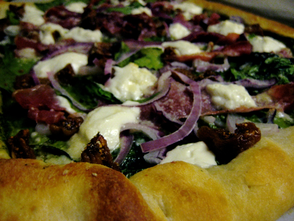 spinach, fig and goat cheese pizza