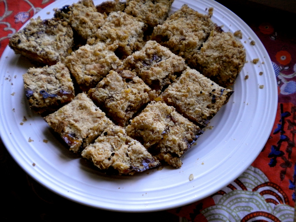 apricot crumble bars