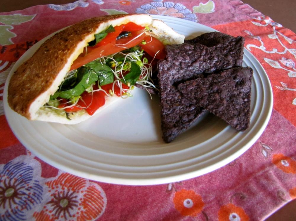 hummus veggie pita sandwich